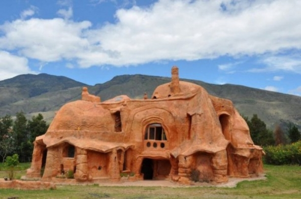 The unusual ceramic house – Casa Terracota
