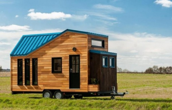 Spacious Tiny House on Wheels