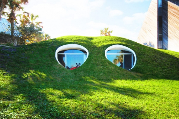 10 Unique Houses in The Hobbit Style