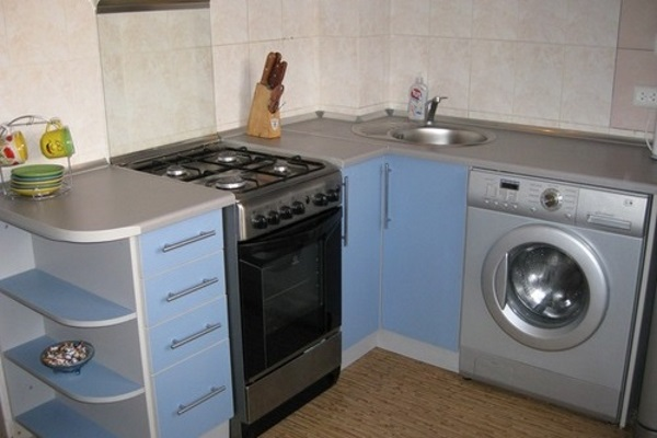Installing the washing machine in a small kitchen Photo 3