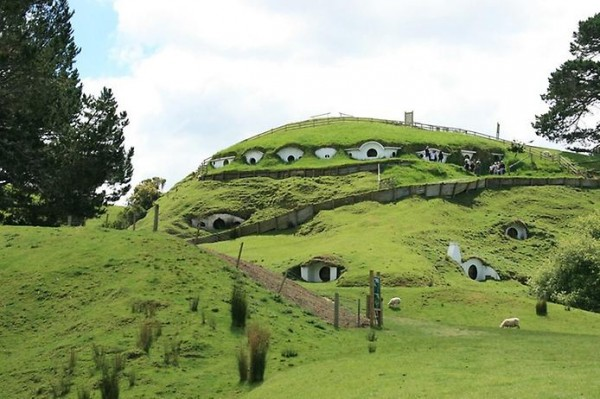 Hobbit Village from Lord Of The Rings 4
