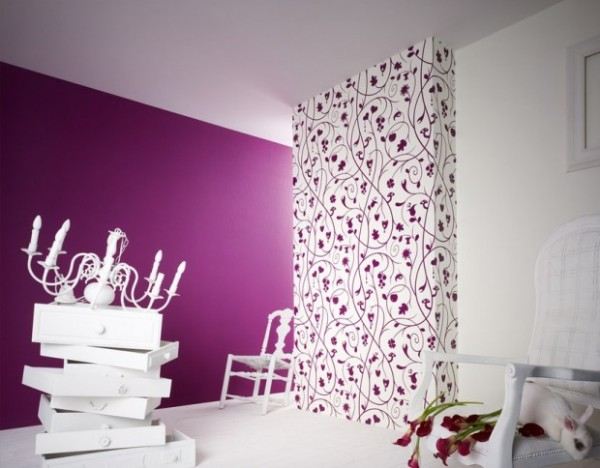 The Combination of Wallpaper in the Living Room Idea 3