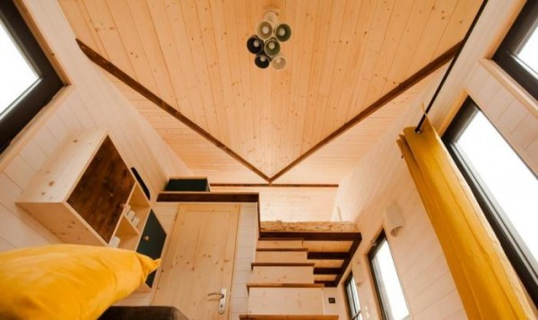 Spacious Tiny House on Wheels Photo 4