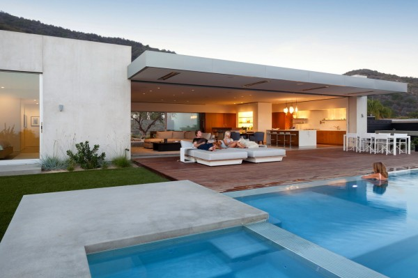 Blue Sail House in Los Angeles Photo 3
