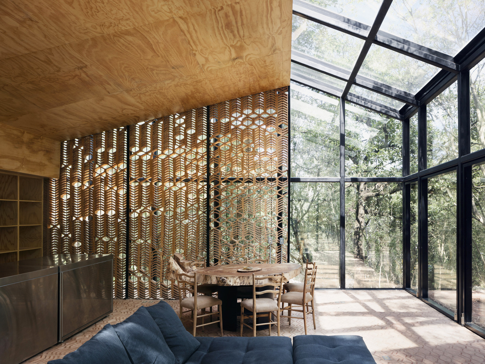 Mirror house in the mexican forest thickets architecture - Estudios arquitectura bilbao ...