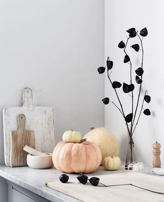Stylish Halloween Decorating Idea 13