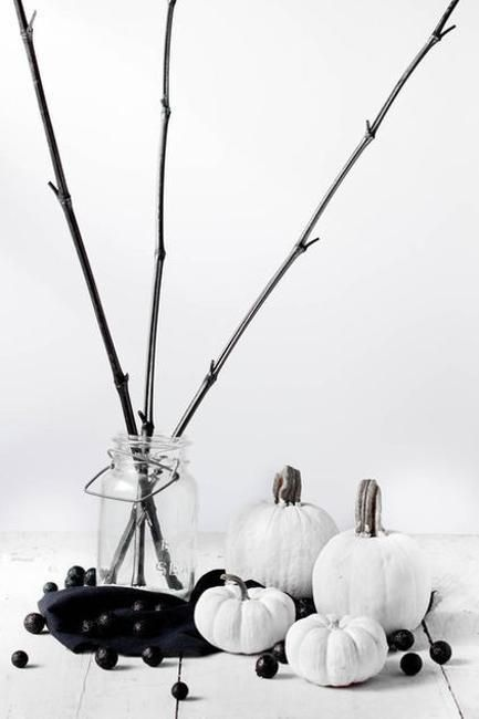 Stylish Halloween Decorating Idea 16