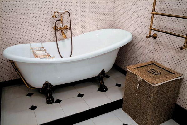 Vintage Bathroom Idea 10